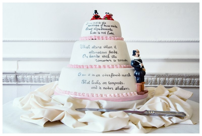 Shakespeare wedding cake